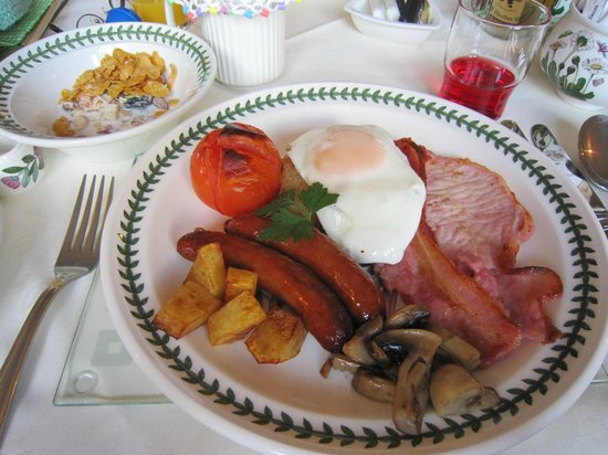 Acorn Court Country House: Breakfast