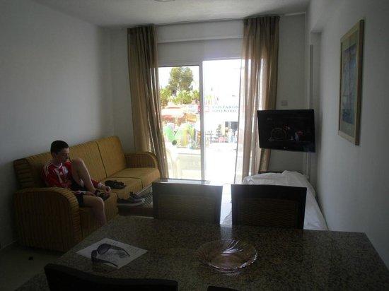 Senator Hotel Apartments: living room