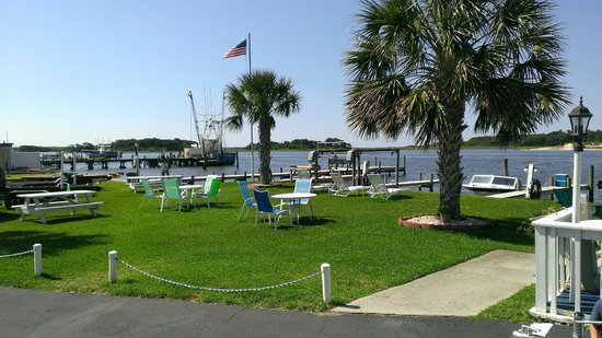 Waterway Inn: Bring your boat!