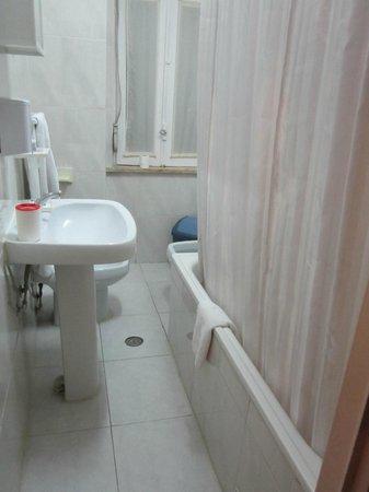 Residencial Joao XXI: sanitari vecchiotti