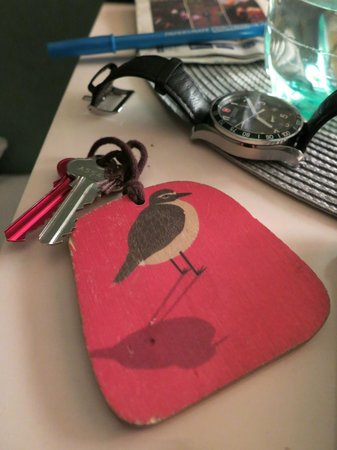 Parkside Lodge: cute keys with a different bird for every room