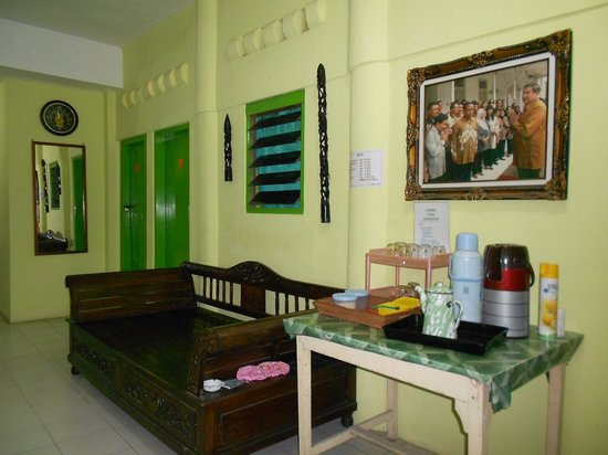 Utar Losmen Pension: place to make tea and coffee