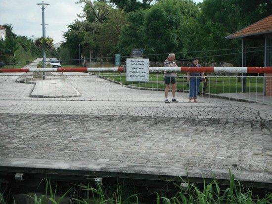 Pont Transbordeur - Maison du Transbordeur : Arrivée sur la Rive d'Échillais