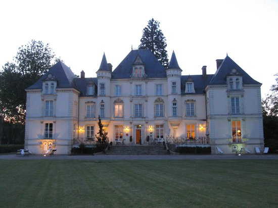 Best Western Premier Le Mans Country Club : Front of property