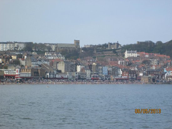 Whitby - Scarborough Trailway : Picture postcard pretty