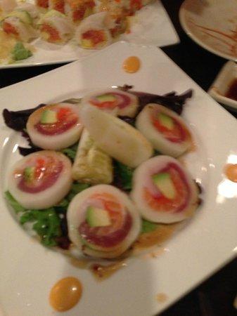 Mizu Japanese Restaurant : Special Naruto roll