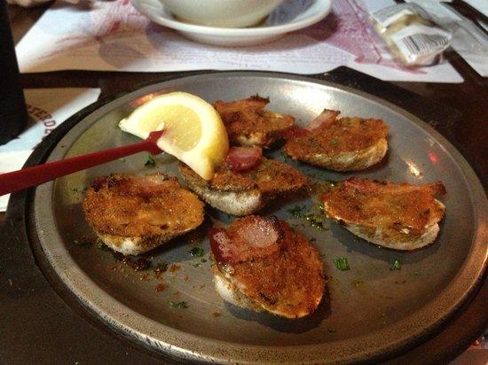 Quarterdeck Restaurant : Clams Casino