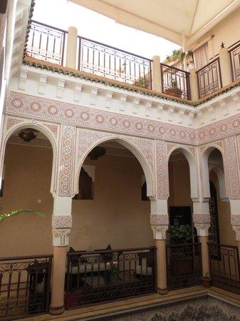 Riad - Hotel Marraplace: La cour intérieure haut