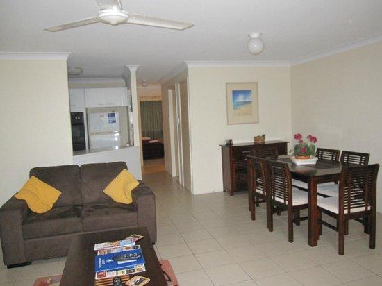 Key Largo Apartments: dining room