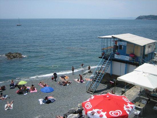 La spiaggia - Picture of Salto nel Blu Beach Bar, Genoa - TripAdvisor