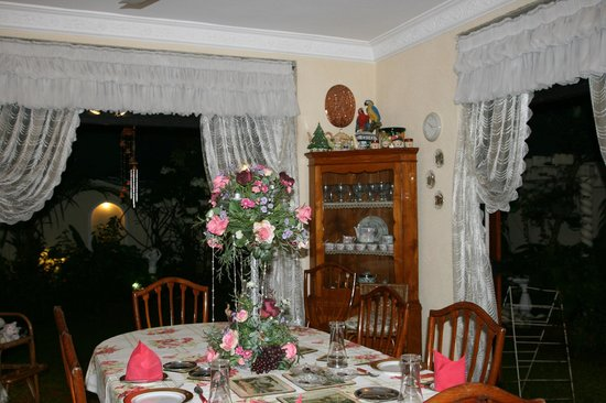 Garden Guest House: dining room