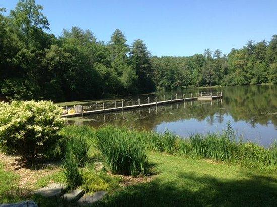 Highland Lake Inn & Resort Hendersonville: Dock at Highland Lake Inn