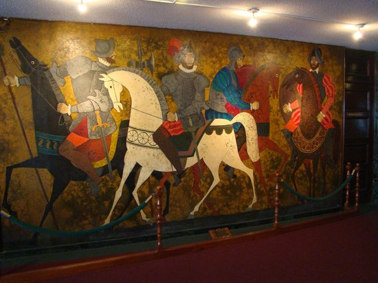Conquistador Hotel & Conference Center: Mural in the lobby.
