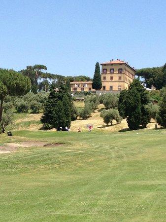 Castelgandolfo Golf and Country Club : vista della villa dal campo