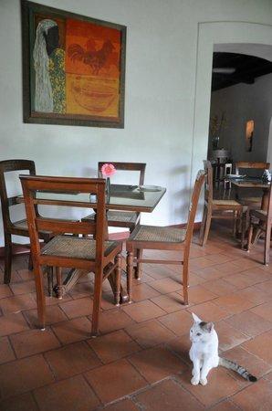 Old Harbour Hotel Restaurant: Understated elegance
