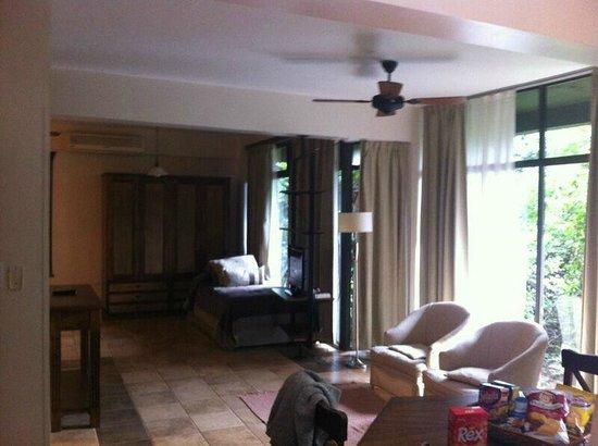 Iguazu Jungle Lodge: Living