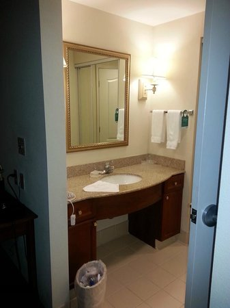 Homewood Suites by Hilton Sacramento-Roseville: Bathroom