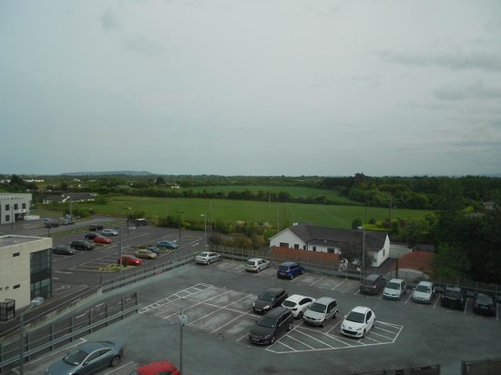 Premier Inn Dublin Airport Hotel: View to the back of the hotel