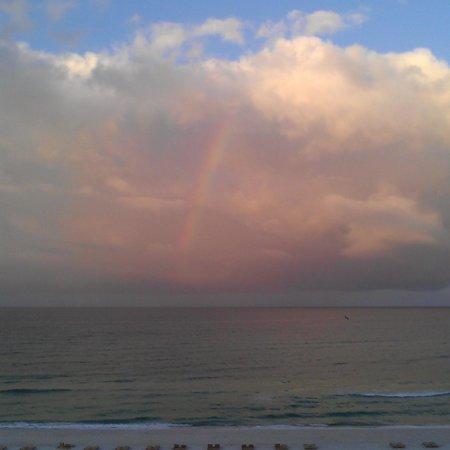 Holiday Terrace Motel: raindow over the gulf