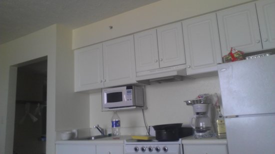 Holiday Terrace Motel: the kitchen in a three bed suite