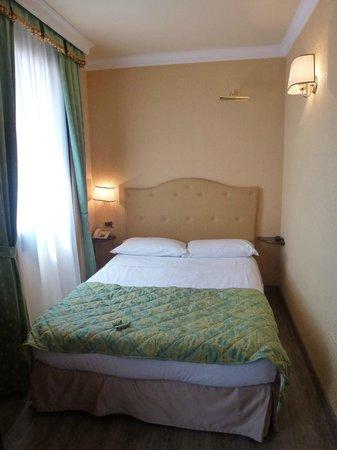 Hotel Anastasia : Bett