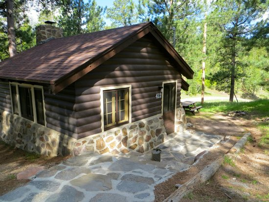 Sylvan Lake Lodge: The cabin