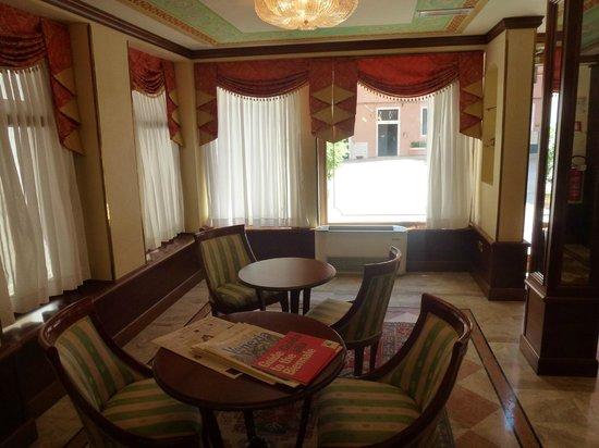 Hotel Anastasia: lobi