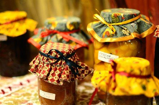 Hotel da Franco: Marmellate e frutta sciroppata fatta in casa