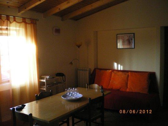 Angolo Del Letto : Angolo del living dellappartamento con divano letto foto di