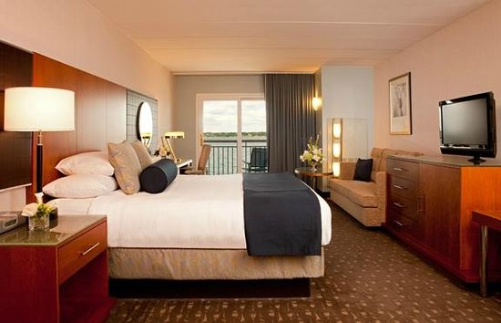 Hyatt Regency Newport: King Guestroom