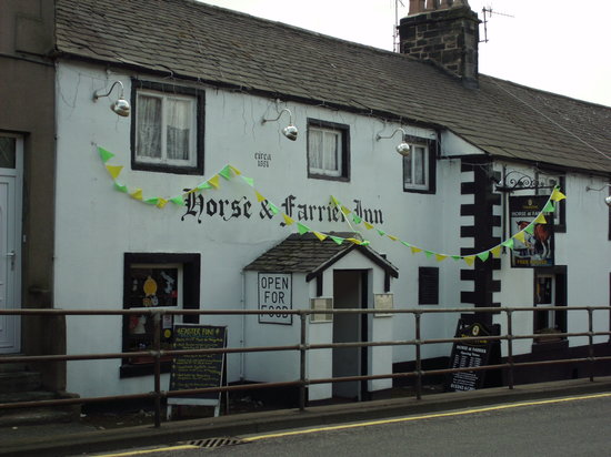Horse and Farrier Inn: Front of the Horse & Farrier