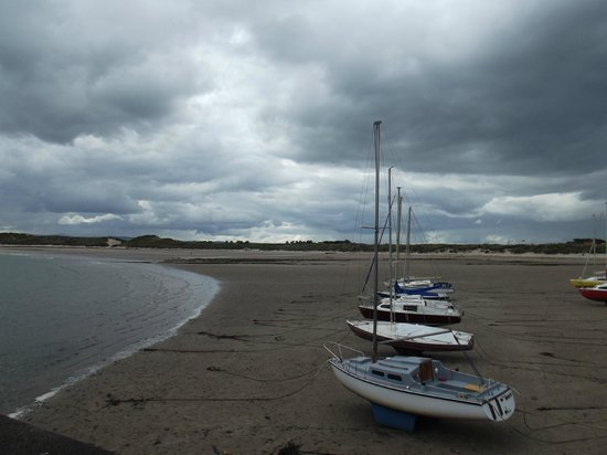 Craster Arms: Beadnell Harbour