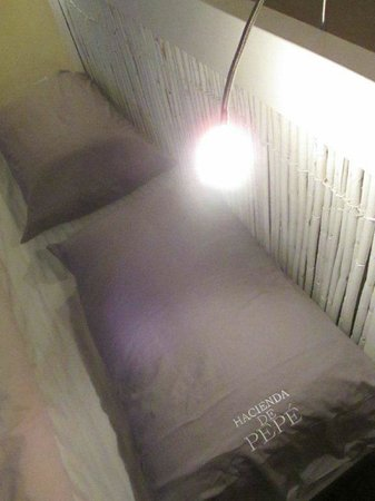 Byblos Fishing Club Guesthouse: bed