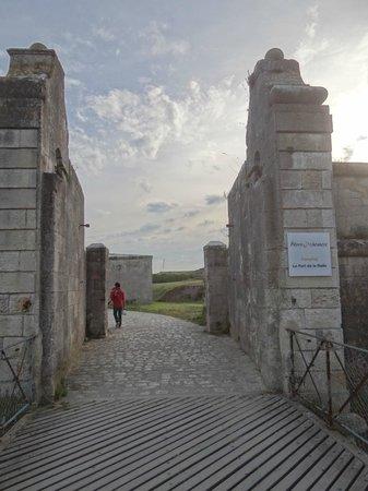 Pierre & Vacances Résidence Le Fort de la Rade : l'entré du site