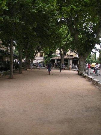 Le Café de la Place Photo