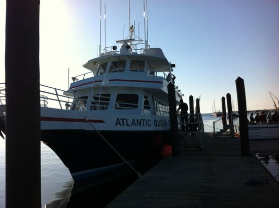 Rye, NH: Atlantic Queen II at pier