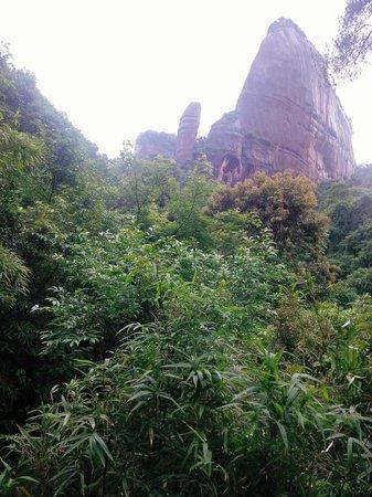 Shaoguan Danxia Mountain Geopark: Yang Yuan Rock