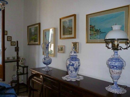 soprammobili classici confortevole soggiorno nella casa