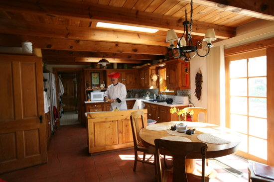 Corrales, NM: Kitchen with Cook