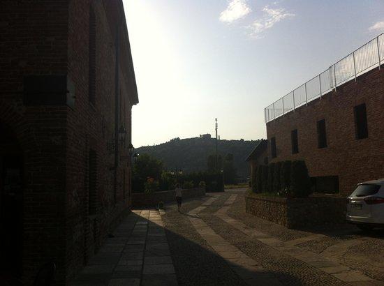 Hotel Le Botti: VIALE INTERNO