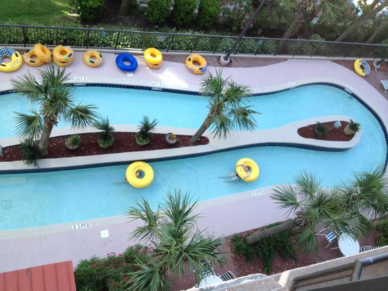 Beach Colony Resort: Lazy River ... below our room