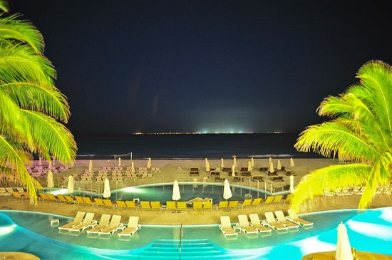 Playacar Palace: view from the upper terrace at night