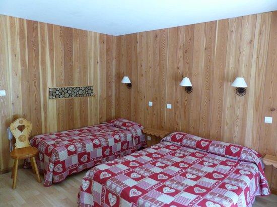 Logis La Cascade : Notre chambre