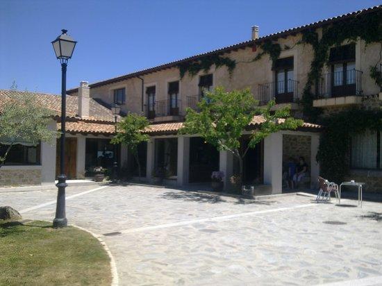 Hotel Restaurante Sierra Quilama: buen edificio