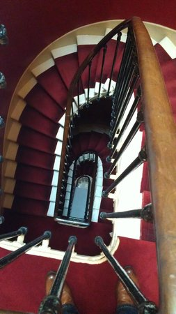 Acanthe Hotel: Staircase, looking down.