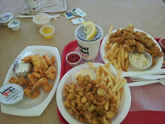 Lobster Hut: whole belly clams & oysters and fried lobster & shrimp