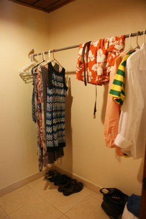 White Sands Negril: Our walk-in closet