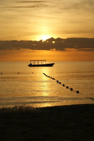White Sands Negril : Gorgeous Sunset from White Sands Beach