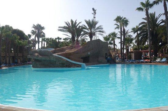 Playasol Spa Hotel: La piscina