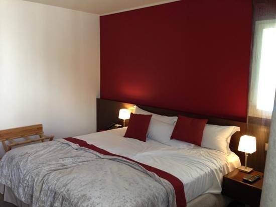 Hotel Les Pleiades: le lit